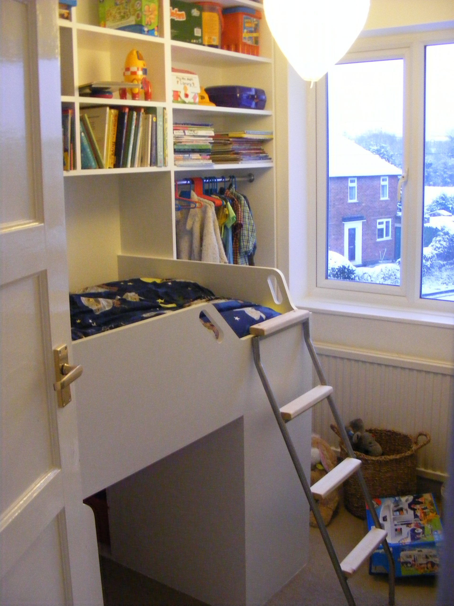 Childs bed over staircase (2)