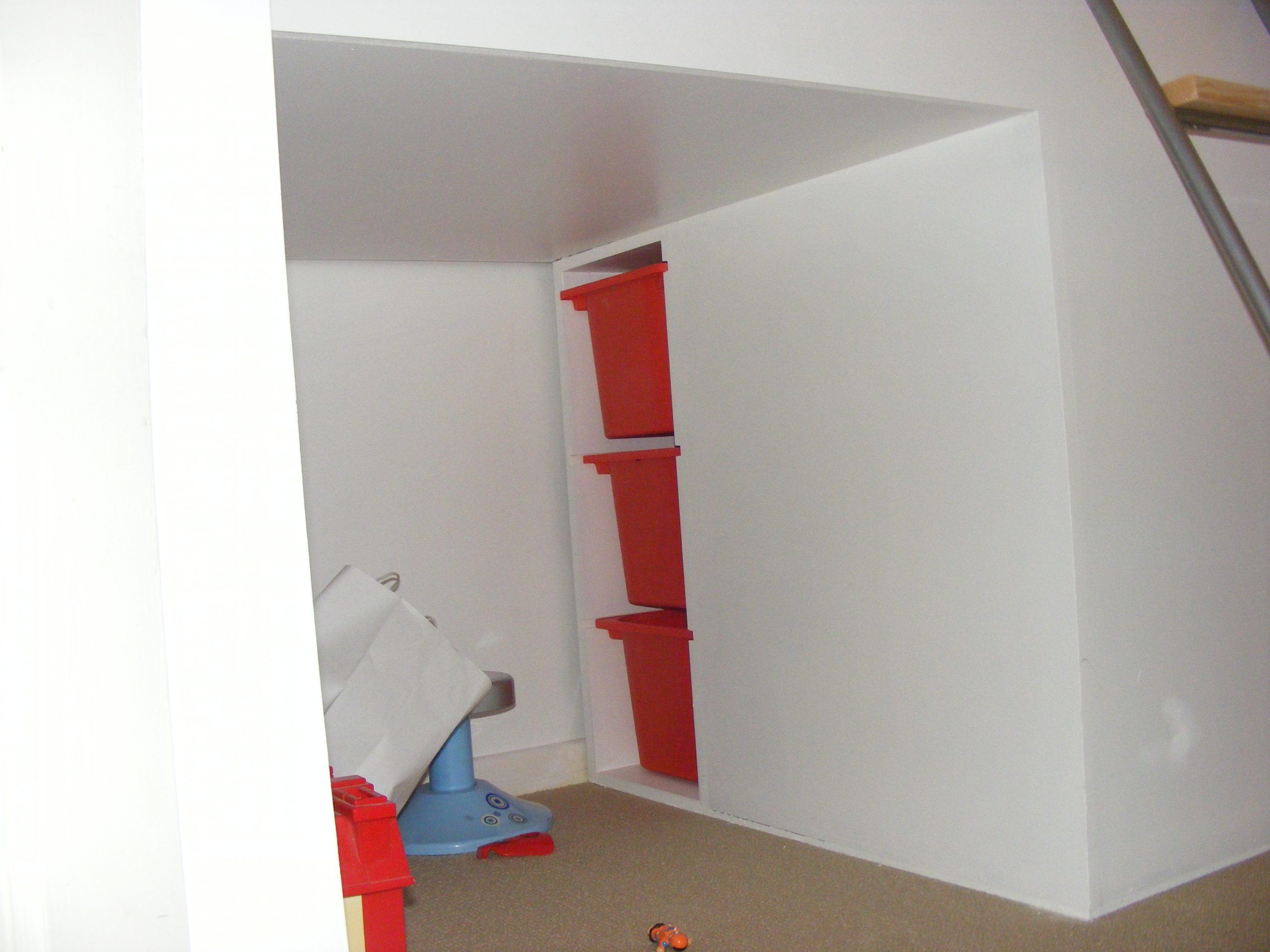 Childs bed over staircase (3)