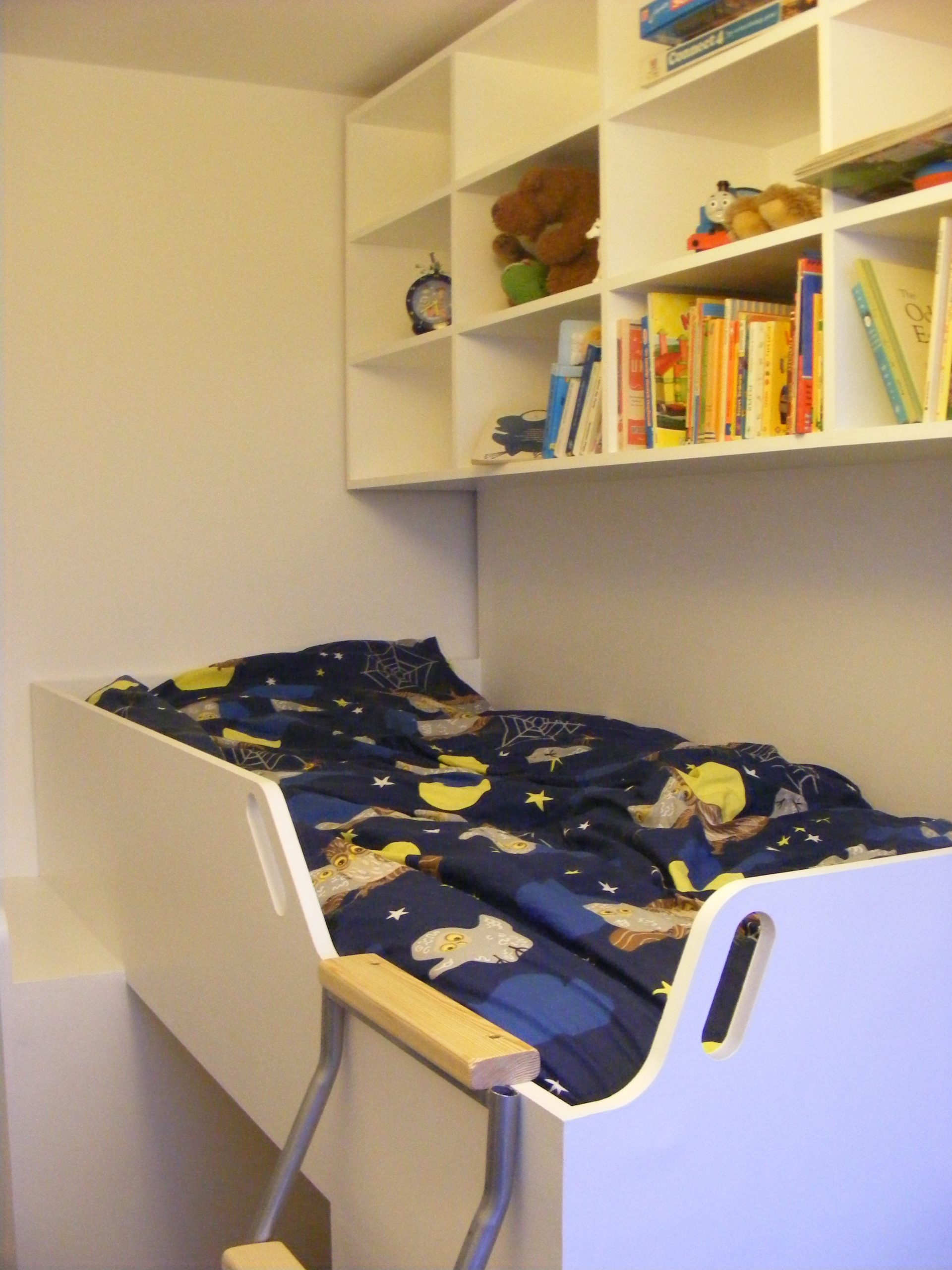 Childs bed over staircase (4)