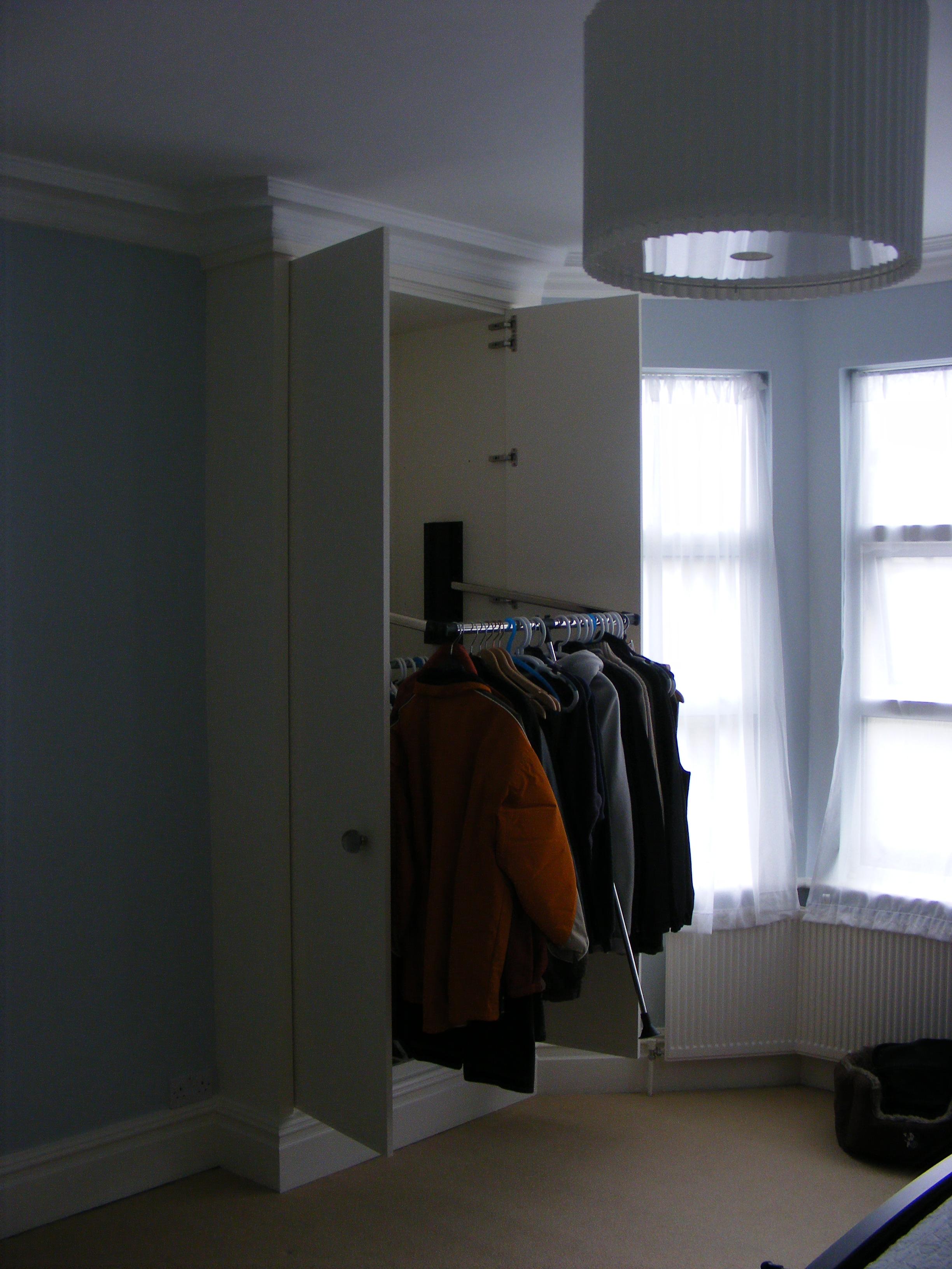 Wardrobe Kensal Green (1)
