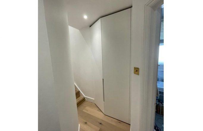 Angled hall cupboard – Earlsfeild